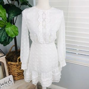NWT WHITE LACE LONG SLEEVE DRESS